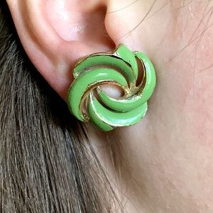 Vintage JEWELCRAFT Green Gold Swirl Clip Earrings